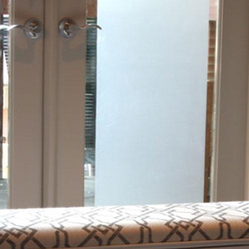 milchglasfolie sichtschutz und sonnenschutz 60cmx 110cm. Black Bedroom Furniture Sets. Home Design Ideas