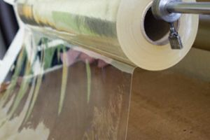 Transparent gl nzende klebefolie polymer selbstklebend for Transparente klebefolie