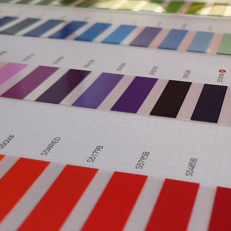 Premium Möbelfolie 91 Farben polymer